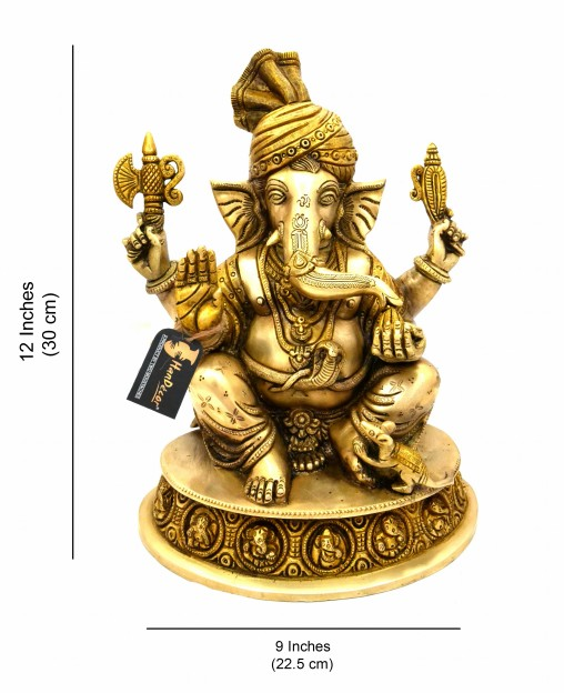 Aashirwaad Ganesha on Round Base Brass Showpiece