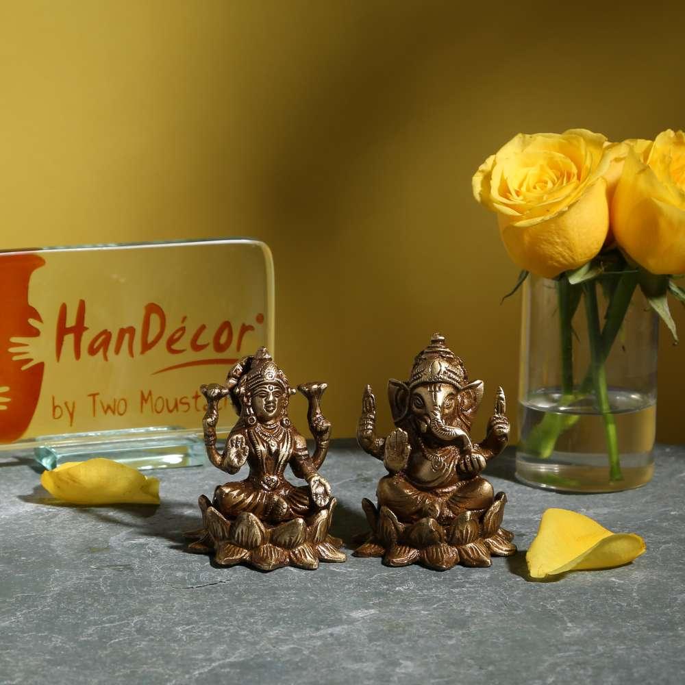 Laxmi Ganesh on Lotus Set