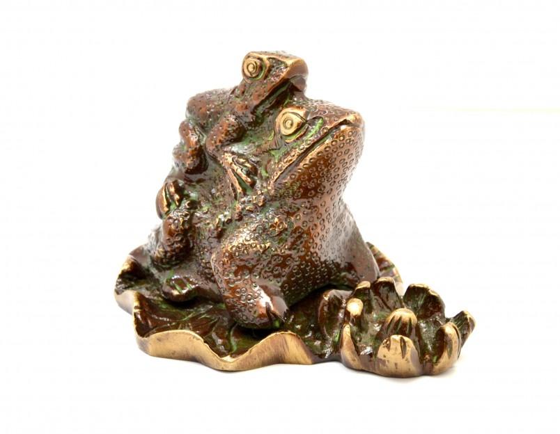 Frog Pair Showpiece